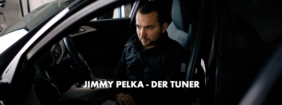 Jimmy Pelka sitzt in seinem getunten Audi RS6, die Bundjacke Classic bietet ihm dabei Tragekomfort und Bewegungsfreiheit.