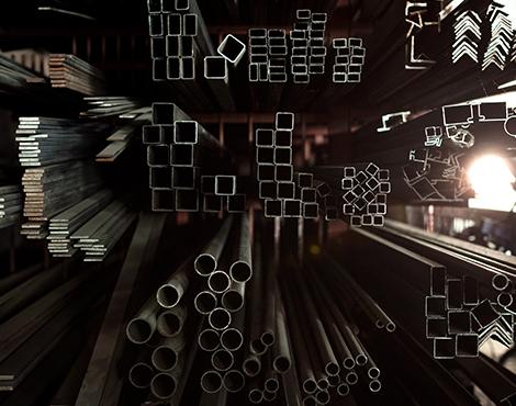 Strapazierfähige Treppen, künstlerische Verzierungen und herrschaftliche Tore entstehen aus Metall