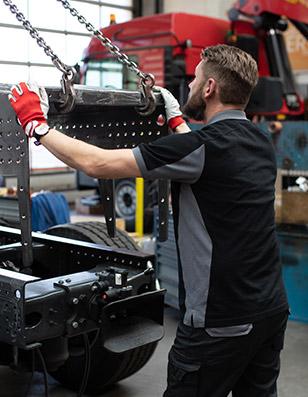 Bei KUHN-Ladetechnik  realisiert spezielle Großkranprojekt