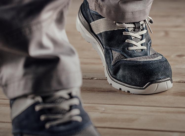 Atmungsaktive, leichte & bequeme Schuhe & Stiefel entdecken wie den Cetus S1P Halbschuh in Blau